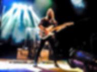Guitarrista rostros ocultos.jpg