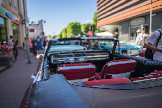 How to Make Your Classic Car's Engine Bay Look New?