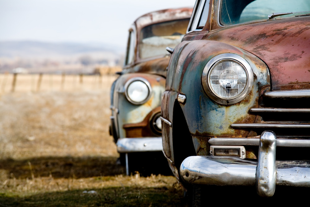 Sell or Restore: What Should I Do With My Damaged Classic Car?