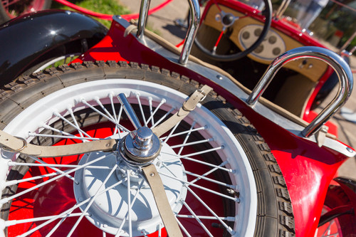 Classic Car Spare Parts: Where to Look?