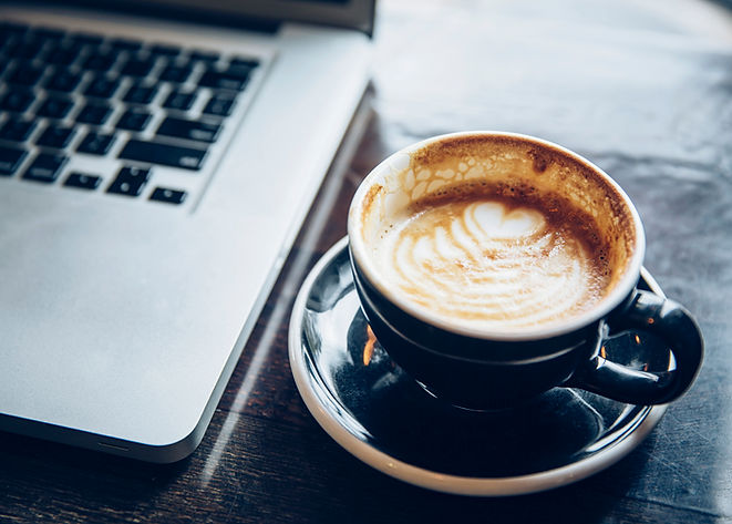 Portátil y de café