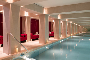 La-Reserve-Paris-Hotel-Swimming-pool.jpg