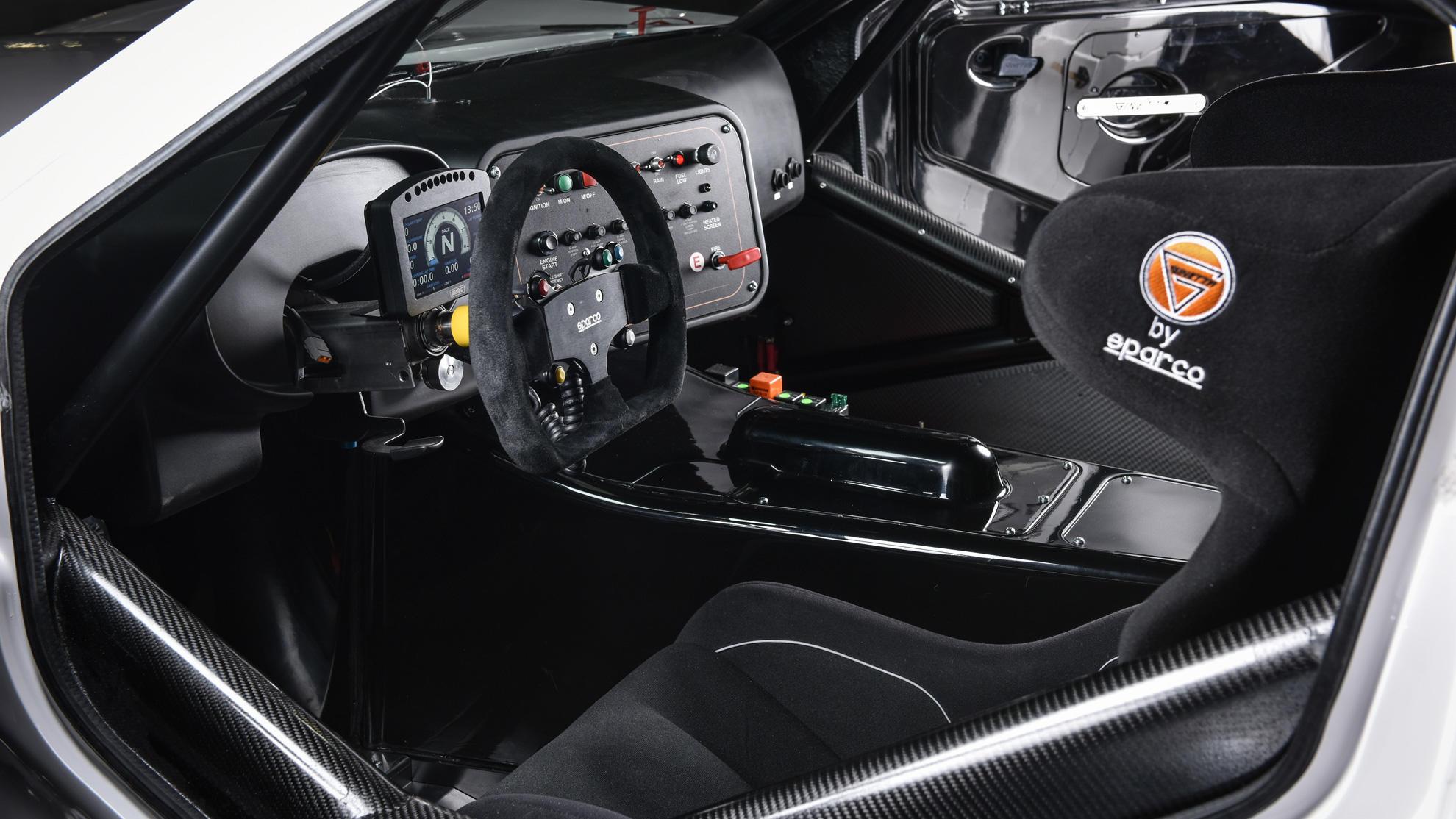 G55-car-interior