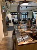 Life Area Cowroking Space 共同工作空間 共同空間 共享空間 從廚房流理台往外看的視角  位於台北市 公館 鄰近台大 可日租 月租