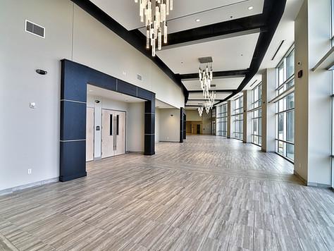 3,000 sq ft foyer