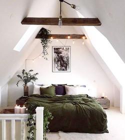 Interieur vert inspiration decoration sous pente sous toit eucalyptus