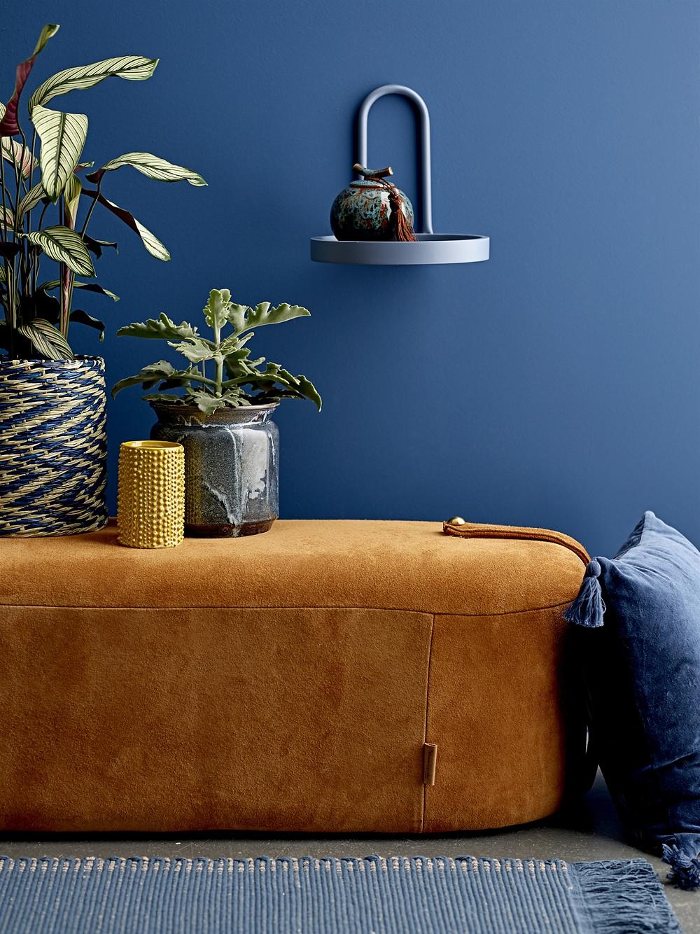décoration intérieure tendance en bleu profond