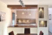 cuisine amenagee par l architecte d interieur et decorateur tiffany fayolle a lyon le stratifie utilise pour cet amenagement sur mesure est du egger cuir brun et gris souris et piano table de cuisson traditionnel Lacanche l agenceur est jeb agencement et le photographe est thierry allard menuiserie d'agenbcement : JEB agencement à Vienne en Isère près de Lyon.