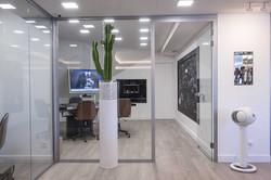 couloir d entreprise aménagement décorat