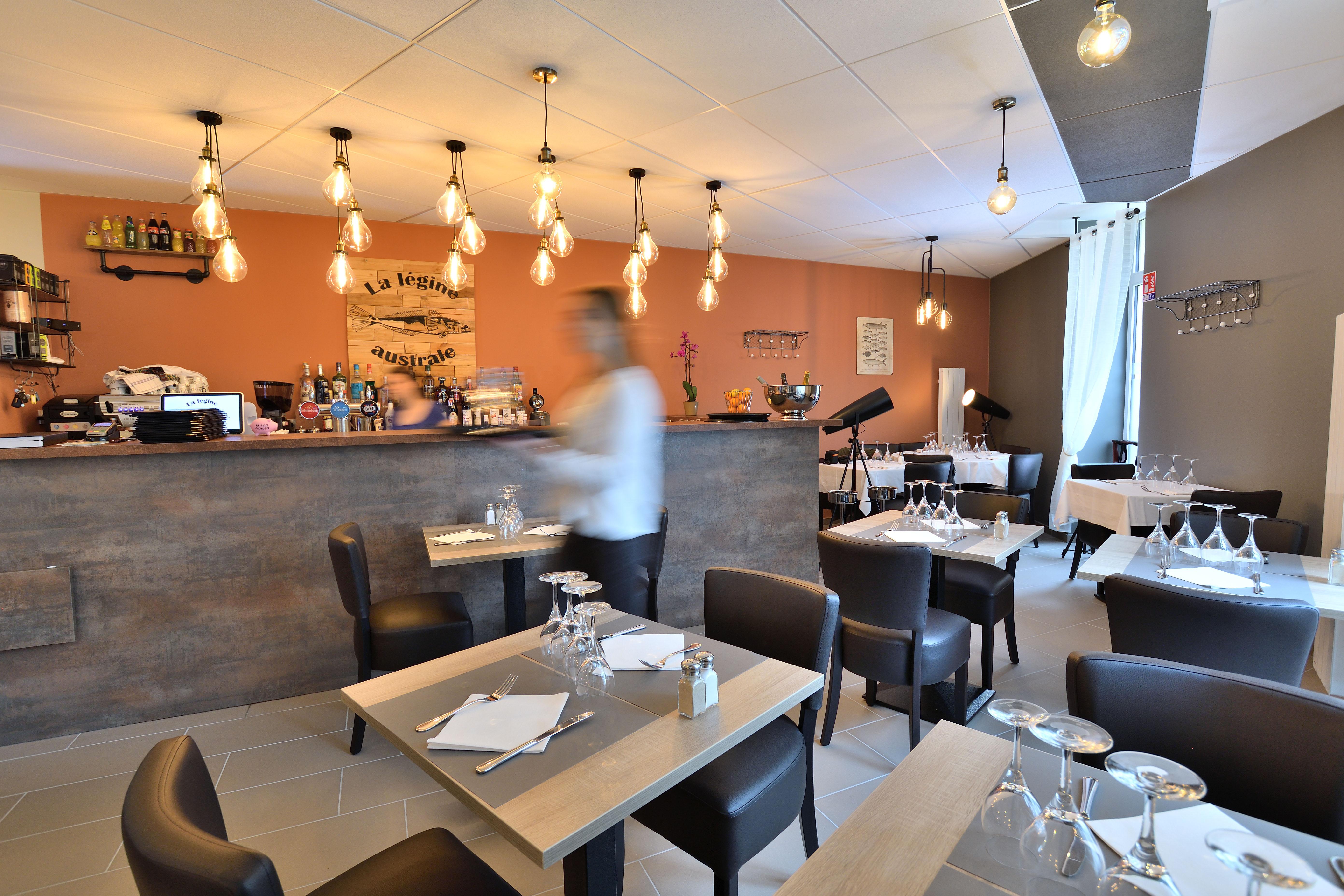 restaurant_rénové_par_Tiffany_Fayolle,_spécialité_de_poisson,_la_legine_australe_à_Brignais_près_de_