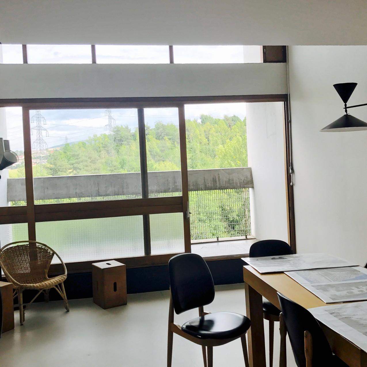 logement en duplex signé Le Corbusier vu par l'architecte d'intérieur Tiffany Fayolle