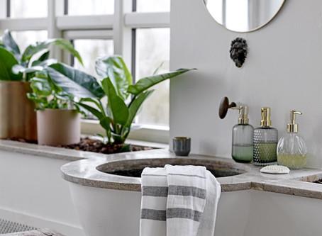 Une salle de bains au naturel...