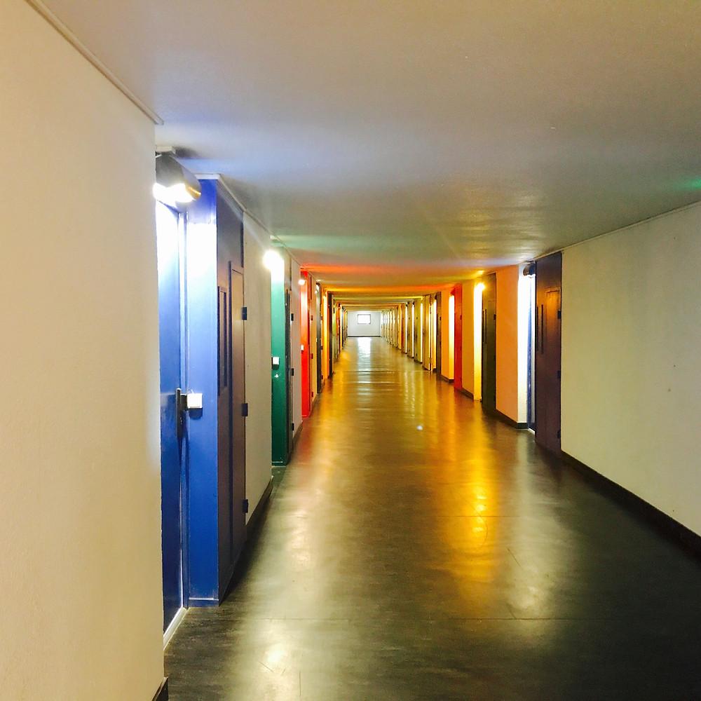 Visite de l'unité d'habitation signée Le Corbusier par Tiffany Fayolle architecte d'intérieur