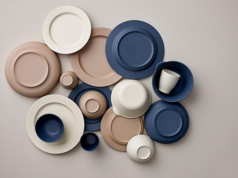 Lot d'assiettes bleues tendance scandinave minimaliste