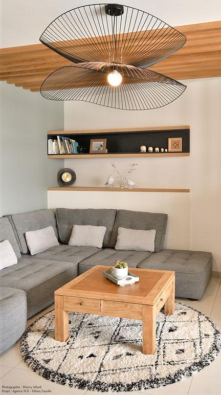 Espace salon blanc gris bois sur mesure.
