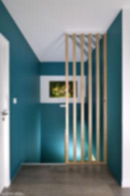 cage d'escalier bleu avec mise en avant