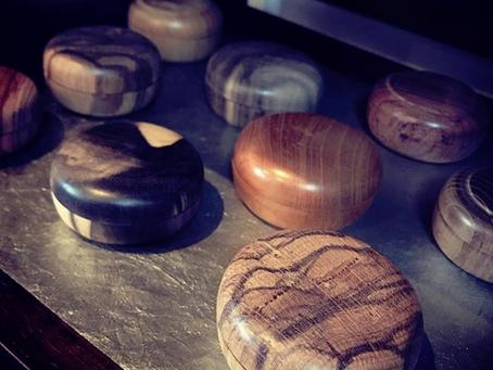 木地職人さんが作った朱肉ケース