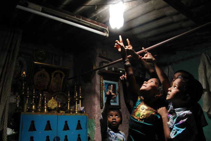 450 000 luminaires Liter of Light ont été installés par l'ONG depuis 2011 - Liter of light