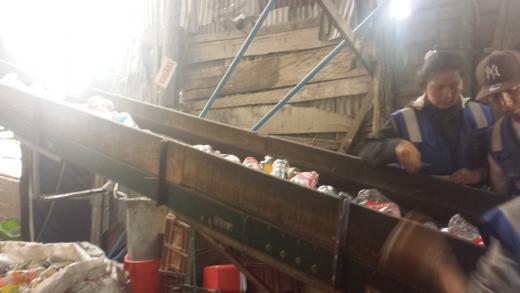 Arrivée du plastique à l'usine de Conceptos Plasticos à Bogota. Photo envoyée par Oscar Mendez.
