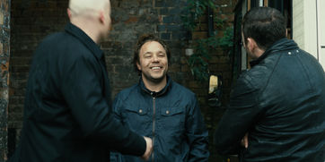 Danny (Stephen Graham) is cornered by Cu