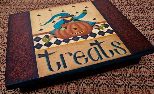 """3717 """"Witchcrafting"""" Treat Box"""