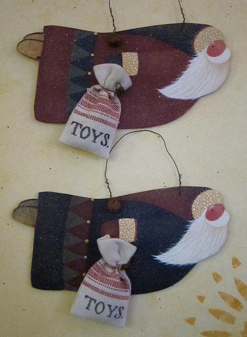 3424 Magic Carpet Santa Ornament