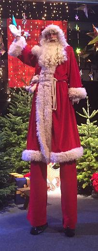 Stelzen Santa Claus