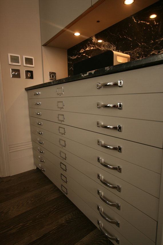 FALSE.DRAWER2.2