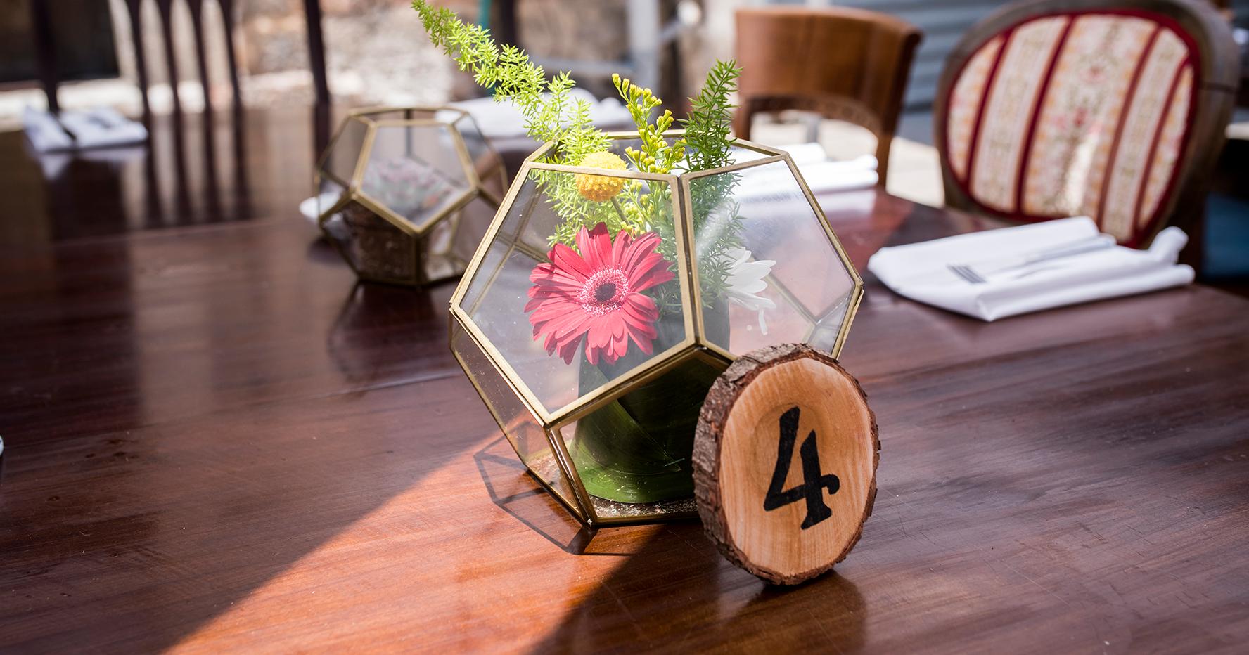 """""""מספר שולחן """"מטבע עץ"""