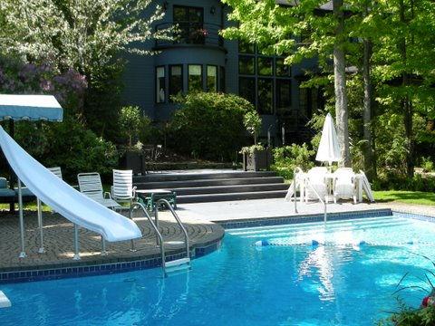 Rent a luxurious property in Saint-Sauveur