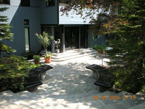 Lakefront property in Saint-Sauveur for rent