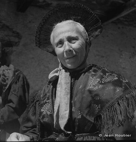 Portrait paysanne - Fonds photographique Jean ROUBIER
