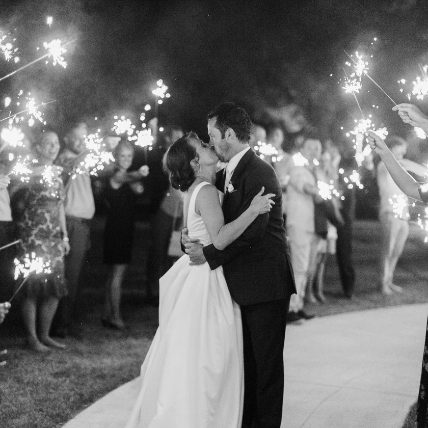 Sparklers Wedding Exit Ideas Northwest Arkansas Wedding Venues Bentonville Kiss