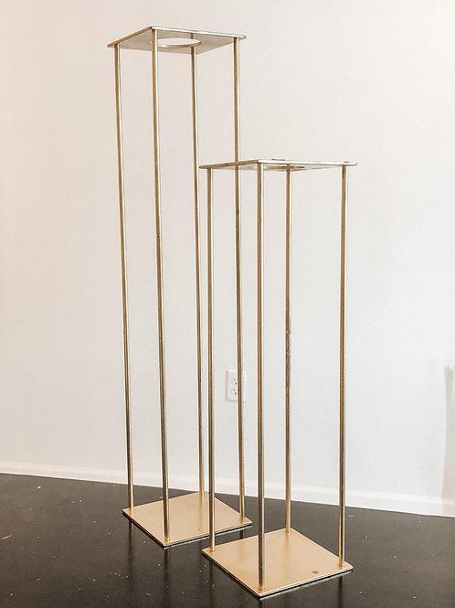 "Matte Gold Harlow Arrangement Stands- 18"" & 24"""