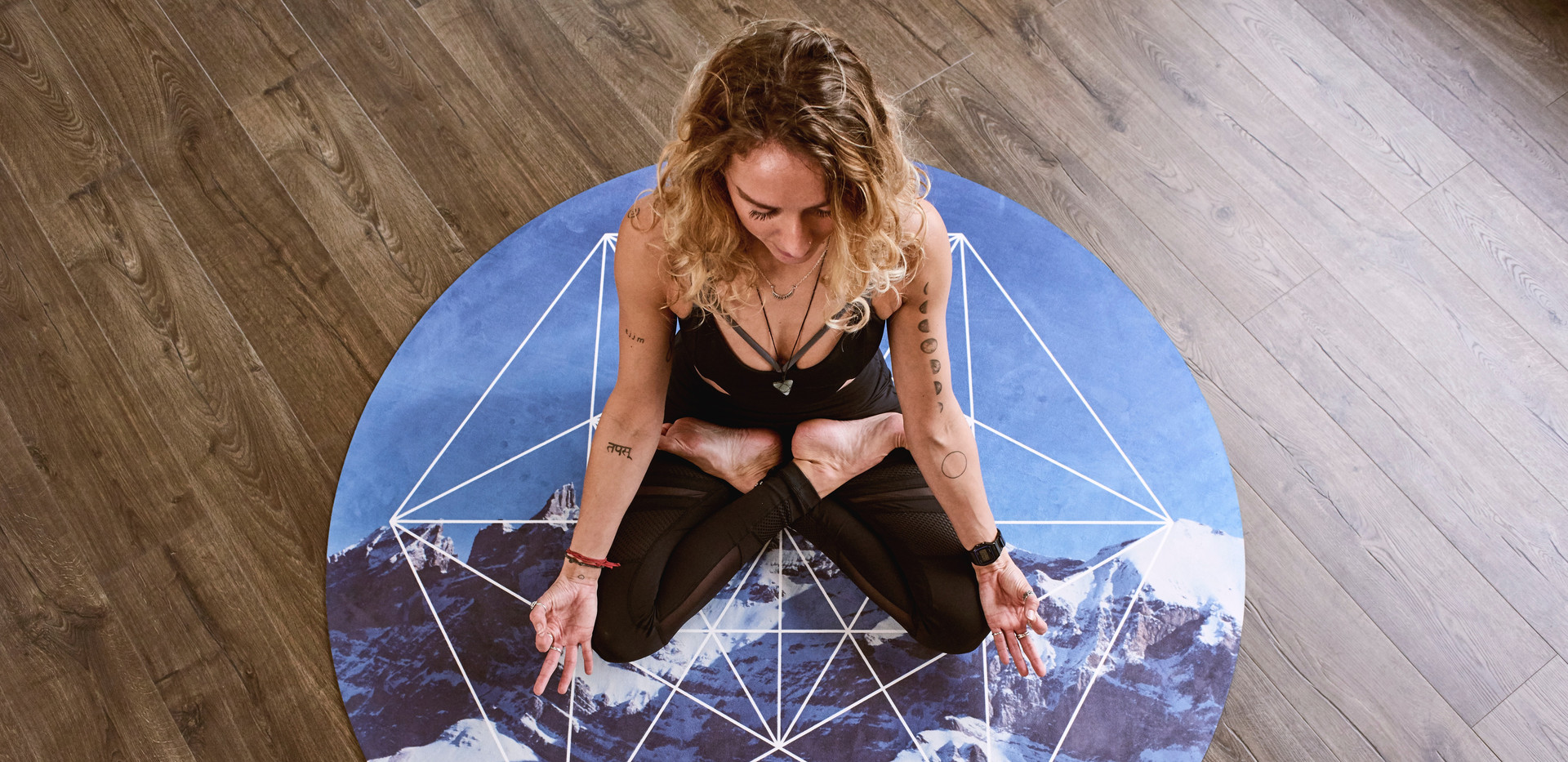 acro-yoga-active-activity-1882028.jpg