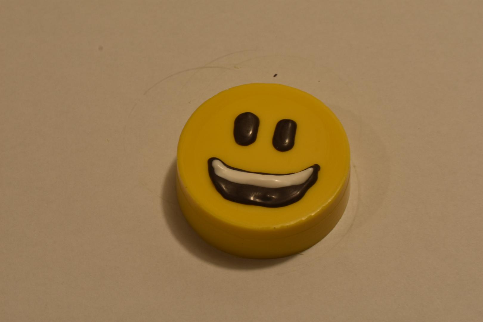 Smile Emoji Oreo