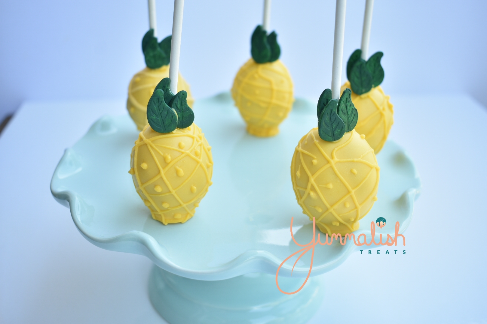 Custom Pineapple Cakepops