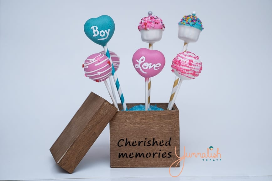 Custom Gender Reveal Cakepops