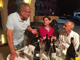 Vinmakarna hos Antonio Facchin.