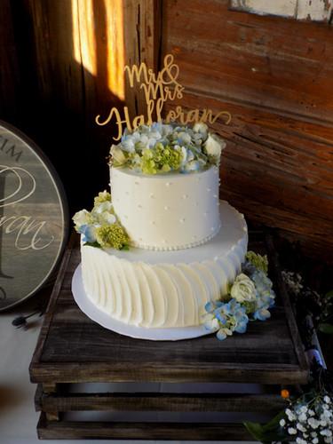 Landfall Restaurant Cake: Delicious Desserts  Garden Party Cape Cod, Floral Design + Fine Gardening