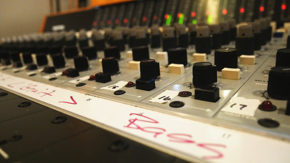 Console-13-Faders-ACTIONED.png