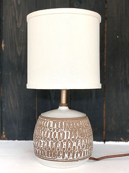 fdpottery-lamp 5-gray carved 2.jpg