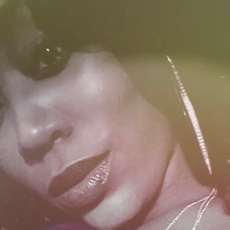 """Ms Vonna B Drops A New Single Called """"Vibe"""""""