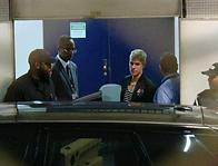 Justin_Bieber_chegando_no_Rio_nesta_quarta-feira,_29_Foto__Reprodução__TV_Globo