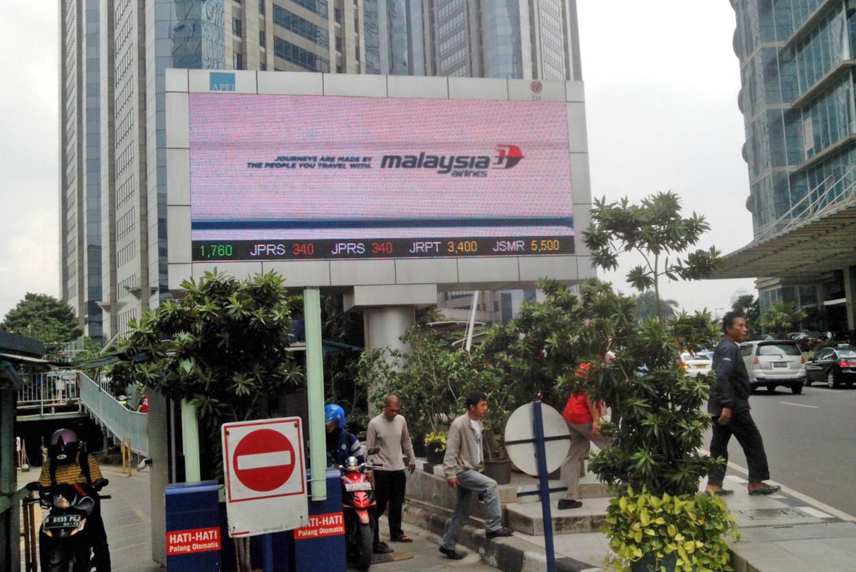 Malaysia Airlines - Kawasan SCBD depan Gedung BEI