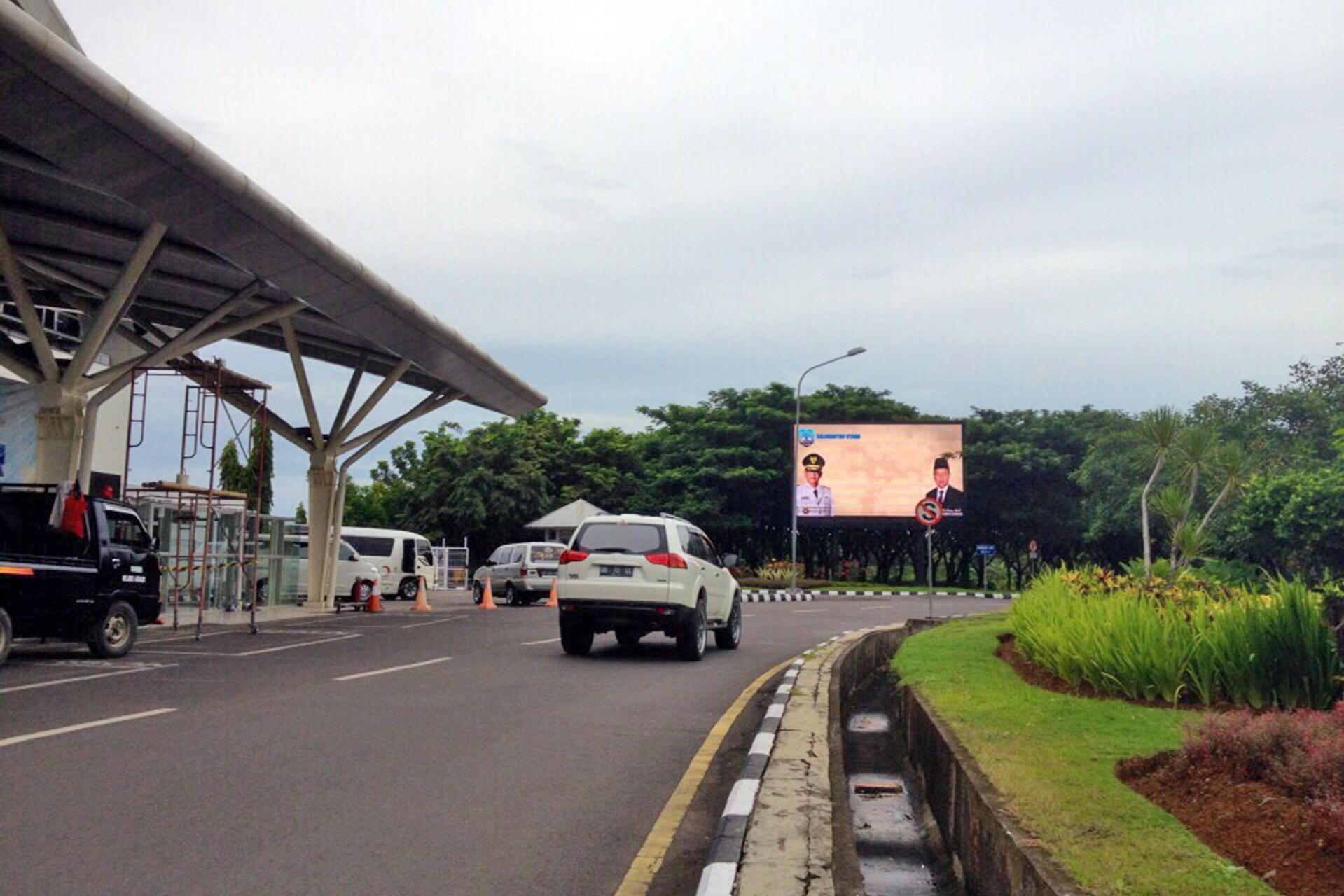 Pemprov Kalimantan Utara - LED Rotunda 5 bandara Sultan Hasanuddin Makassar