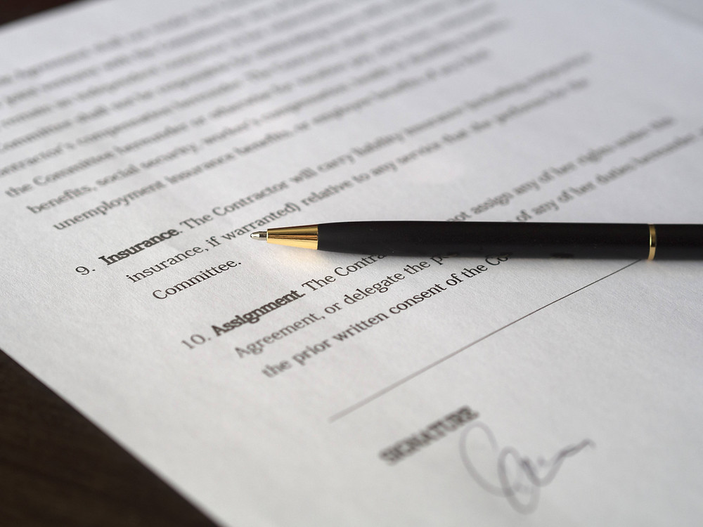 Stock photo (CC0) of a signature page on a contract