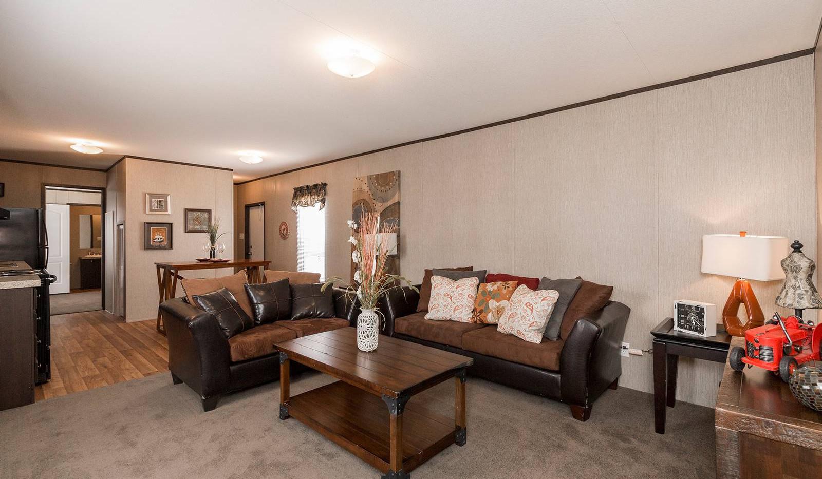 2-redman-1466a-living-room-1-1600x1067.j