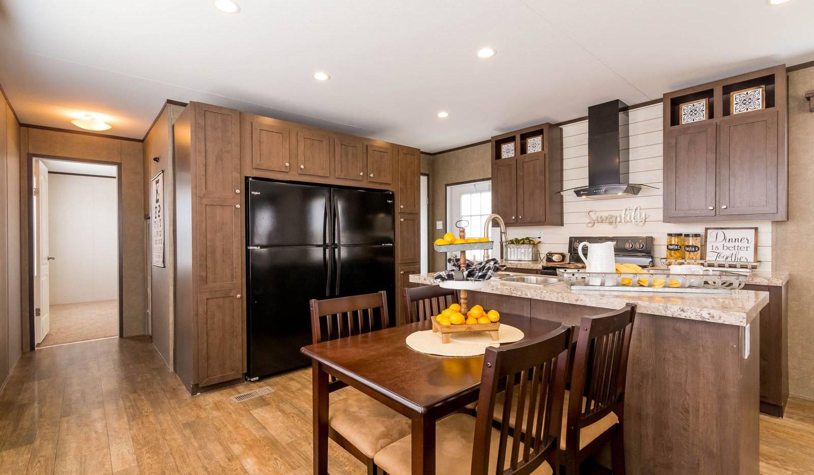 6-1676H kitchen 1-1600x1067.jpg