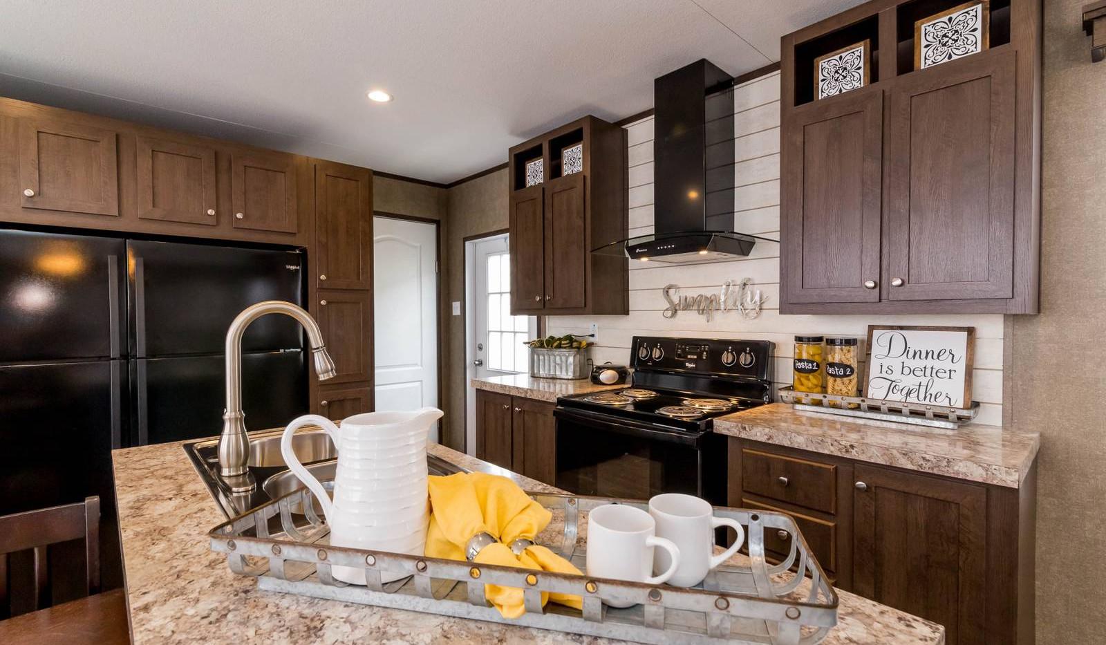 7-1676H kitchen 2-1600x1067.jpg